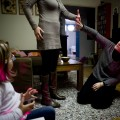 HOMOPARENTALITE AXELLE ET ELODIE CHEZ ELLE APRES LECHO DU TROISIEME MOIS ANNONCE LA VENUE DUN PETIT FRERE OU DUNE PETITE SOEUR A LOU QUI VA DEVENIR GRANDE SOEUR ELLE EST CONTENTE ET ETONNE QUUN BEBE POUSSE DANS LE VENTRE LYON LE 15 DECEMBRE 2010